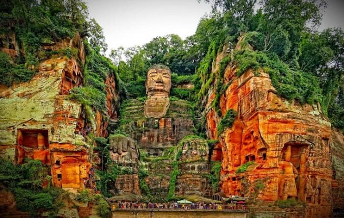 Статуя Будды в Лэшань